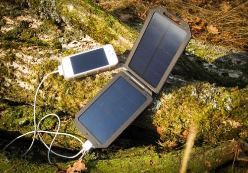 Solární powerbank Xtorm Lava 1